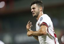 Patrick Cutrone celebrating during Crotone-Milan at the Ezio Scida Stadium on August 20 2017. (@acmilan.com)