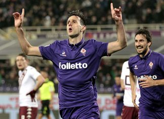 Nikola Kalinic celebrates during Fiorentina-Torino at Stadio Artemio Franchi on February 27, 2017. (Photo by Gabriele Maltinti/Getty Images)