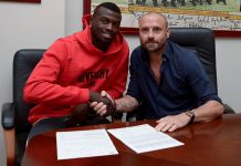M'Baye Niang and Torino director of sport Gianluca Petrachi at the club's HQ on the 31st of August 2017. (via @TorinoFC_1906)