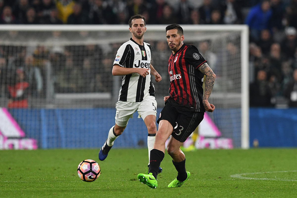Jose Sosa and Miralem Pjanic during Juventus-Milan at Juventus Stadium on March 10, 2017. (Photo by Valerio Pennicino/Getty Images)