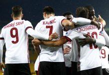 André Silva, Nikola Kalinić, Hakan Çalhanoğlu, Cristian Zapata, Franck Kessié and Ignazio Abate celebrating during Austria Wien-Milan at Ernst-Happel-Stadion on the 14th of September, 2017. (@acmilan.com)
