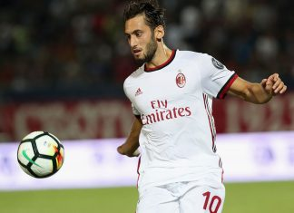 Hakan Calhanoglu during Crotone-Milan at the Ezio Scida Stadium on August 20 2017. (Photo by Maurizio Lagana/Getty Images)