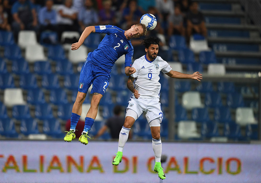 Andrea Conti and Lior Refaelov during Italy-Israel at Mapei Stadium - Citta' del Tricolore on September 5, 2017. (Photo by Claudio Villa/Getty Images)