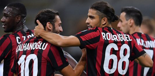 Ricardo Rodriguez, Hakan Çalhanoğlu, Nikola Kalinić and Cristian Zapata during Milan-SPAL at Stadio San Siro on September 20, 2017. (MARCO BERTORELLO/AFP/Getty Images)