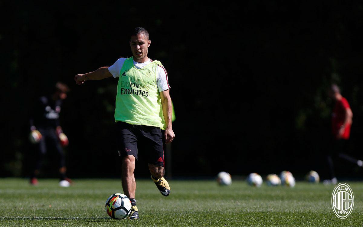Jose Mauri during training at Milanello. (@acmilan.com)