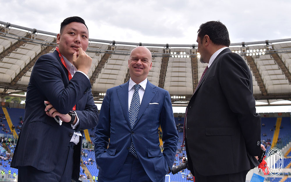 Han Li, Marco Fassone and Massimiliano Mirabelli before Lazio-Milan at Stadio Olimpico on the 10th of September, 2017. (@acmilan.com)