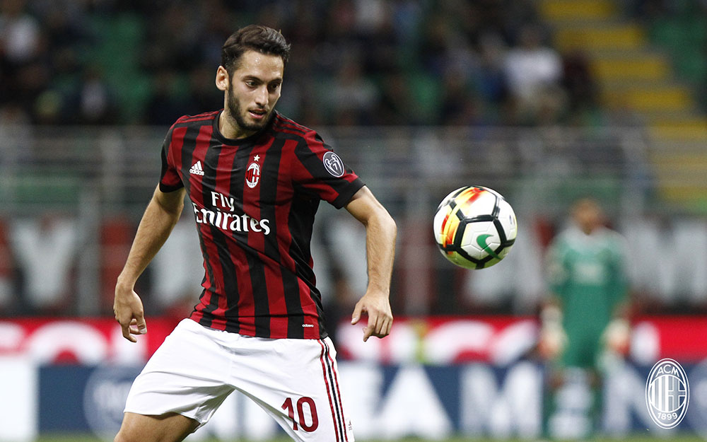 Hakan Çalhanoğlu during Milan-SPAL at Stadio San Siro on September 20, 2017. (@acmilan.com)