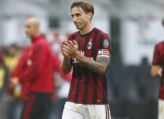 Lucas Biglia at the end of Milan-Genoa at Stadio San Siro on October 22, 2017. (@acmilan.com)