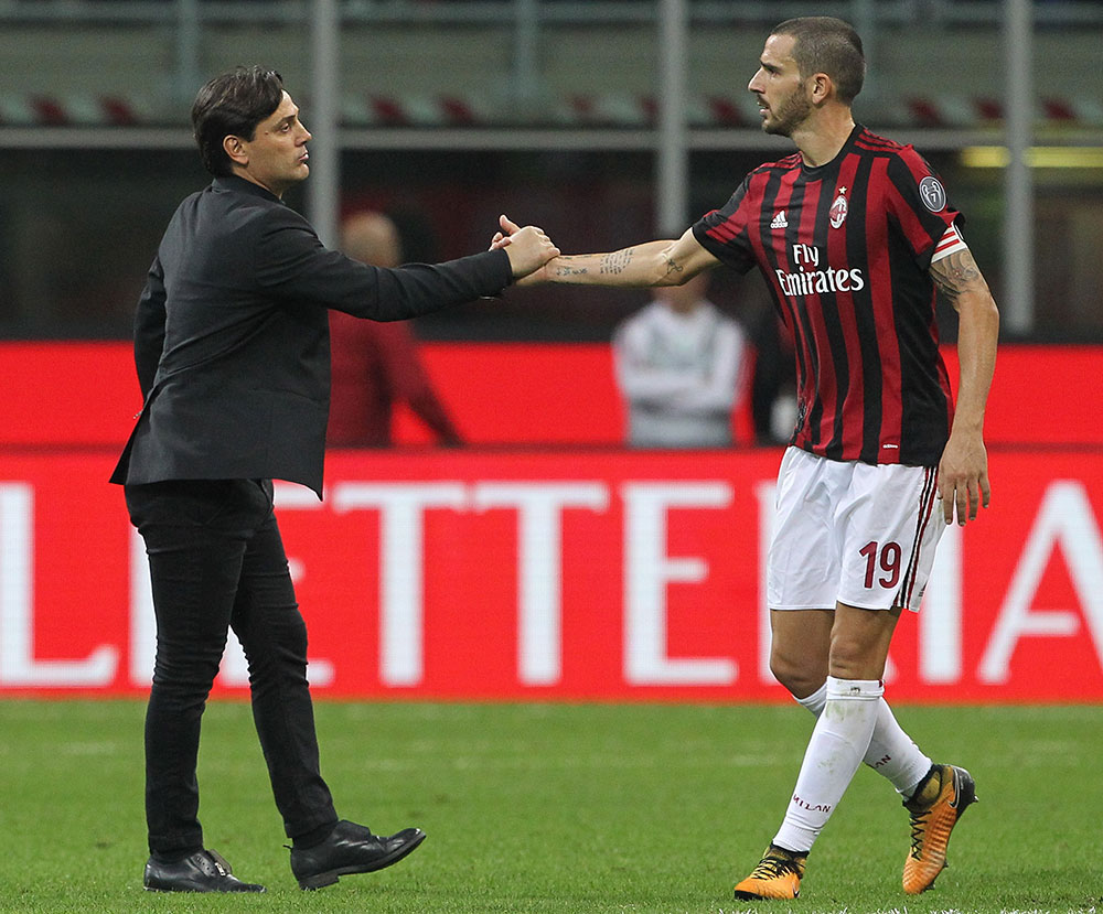 Vincenzo Montella and Leonardo Bonucci at the end of Milan-Roma at Stadio San Siro on October 1, 2017. (Photo by Marco Luzzani/Getty Images)
