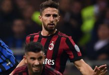 Fabio Borini, Mateo Musacchio and Ivan Perišić during Inter-Milan at Stadio San Siro on October 15, 2017. (MARCO BERTORELLO/AFP/Getty Images)