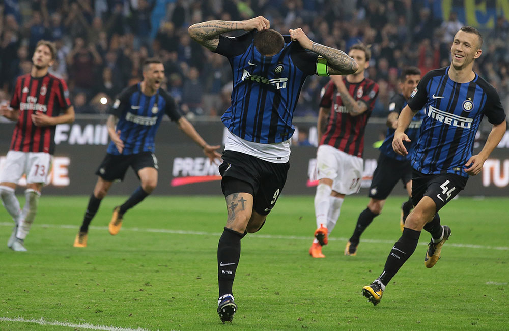 Mauro Icardi celebrating during Inter-Milan at Stadio San Siro on October 15, 2017. (Photo by Emilio Andreoli/Getty Images)
