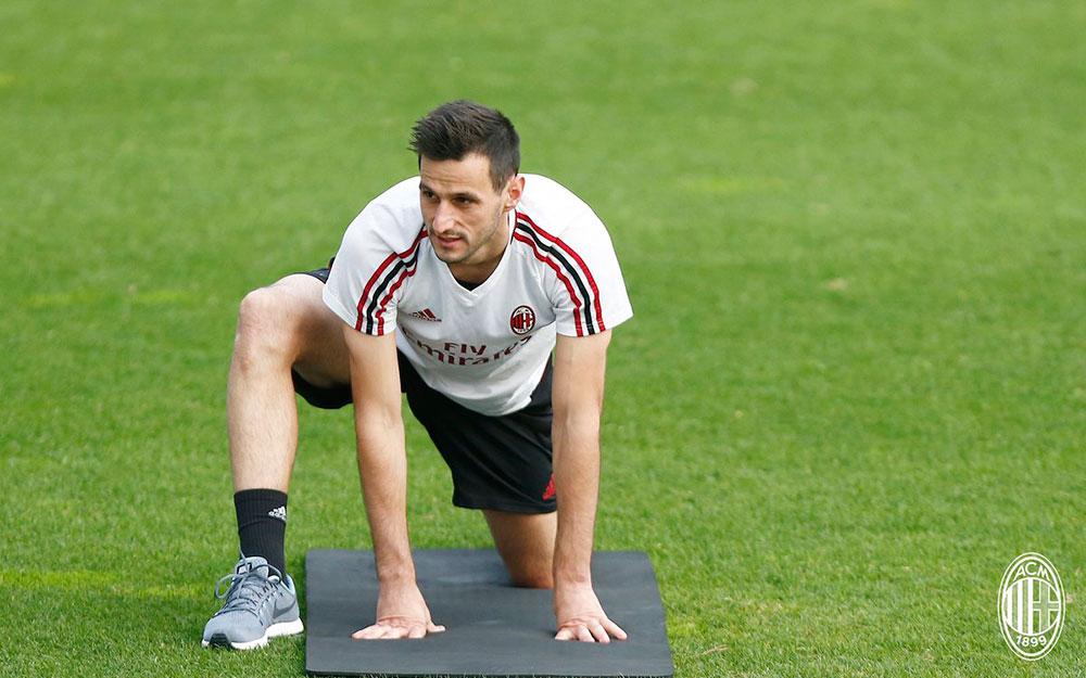 Nikola Kalinić during training at Milanello. (@acmilan.com)