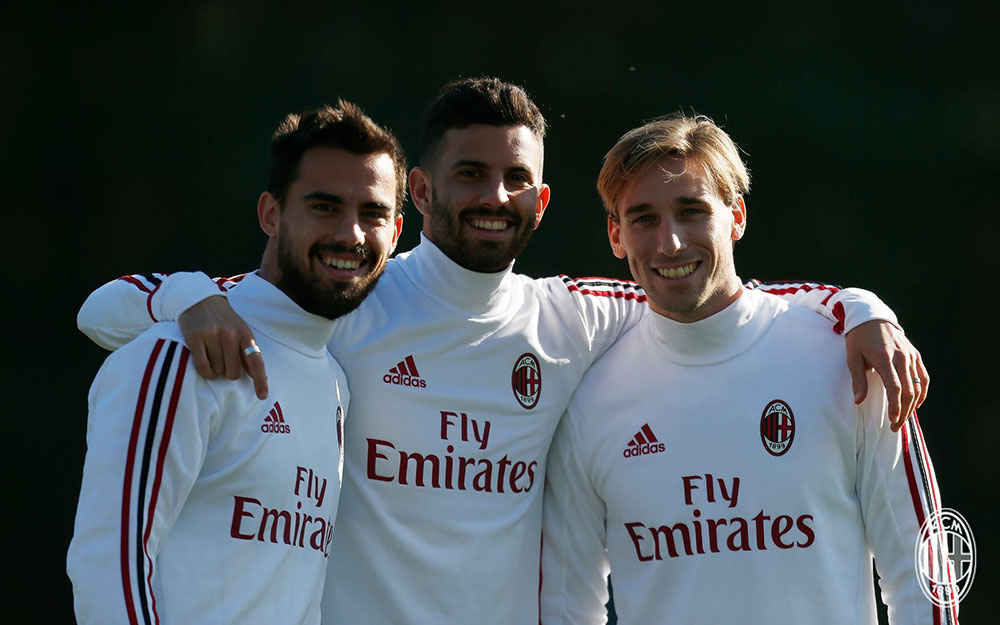 Suso, Mateo Musacchio and Lucas Biglia during training at Milanello. (@acmilan.com)