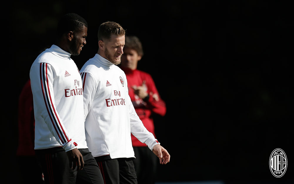 Franck Kessié and Ignazio Abate during training at Milanello. (@acmilan.com)