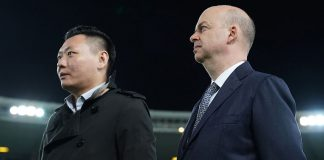 Marco Fassone and Han Li before Chievo-Milan at Stadio Marc'Antonio Bentegodi on October 25, 2017. (@acmilan.com)
