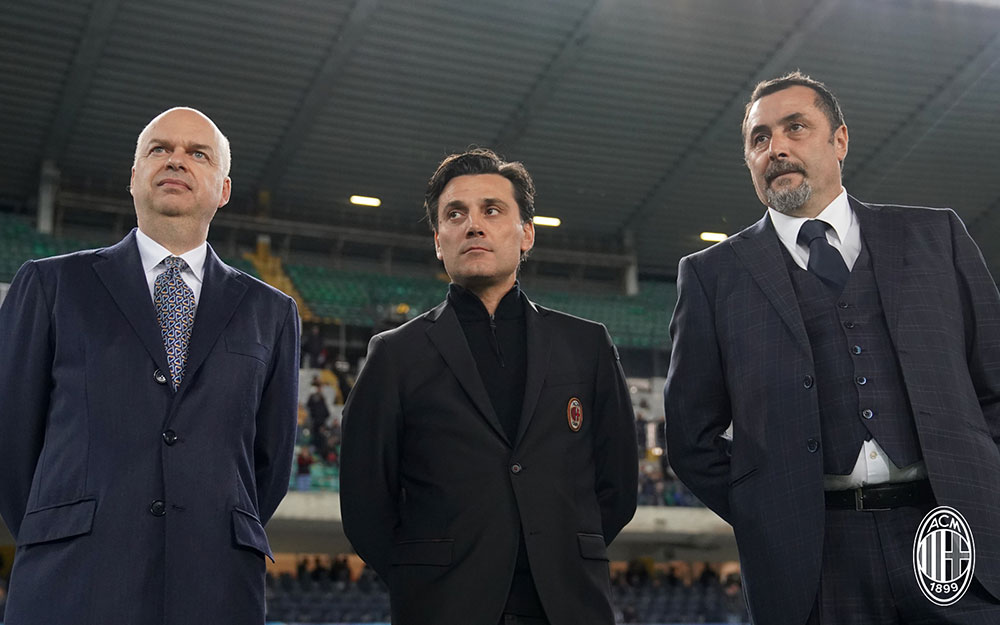 Marco Fassone, Vincenzo Montella and Massimiliano Mirabelli before Chievo-Milan at Stadio Marc'Antonio Bentegodi on October 25, 2017. (@acmilan.com)