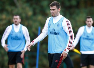 Alessio Romagnoli during training at Milanello. (@acmilan.com)