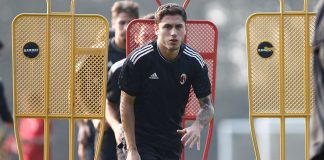 Davide Calabria during training at Milanello. (@acmilan.com)