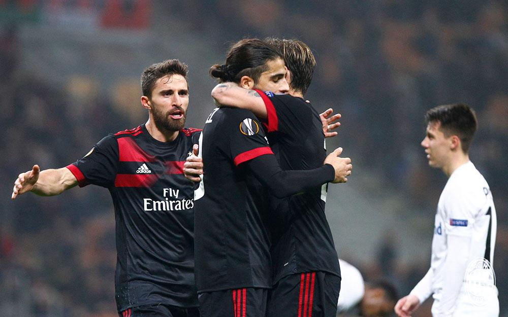 Fabio Borini, Ricardo Rodriguez and Lucas Biglia celebrating during Milan-Austria Wien at Stadio San Siro on November 23, 2017. (@acmilan.com)