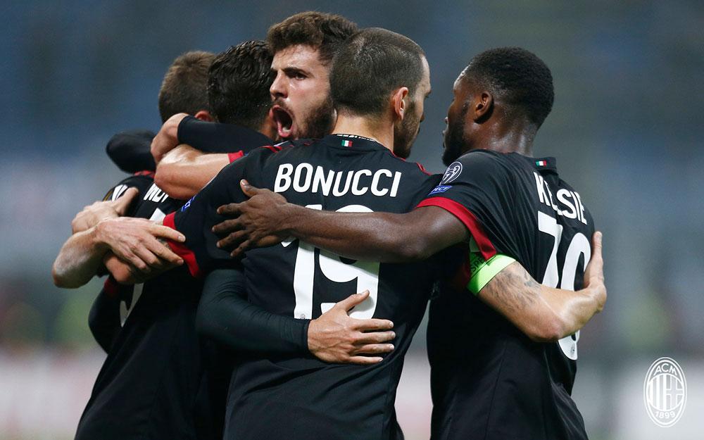 Fabio Borini, André Silva, Leonardo Bonucci, Patrick Cutrone and Franck Kessié celebrating during Milan-Austria Wien at Stadio San Siro on November 23, 2017. (@acmilan.com)