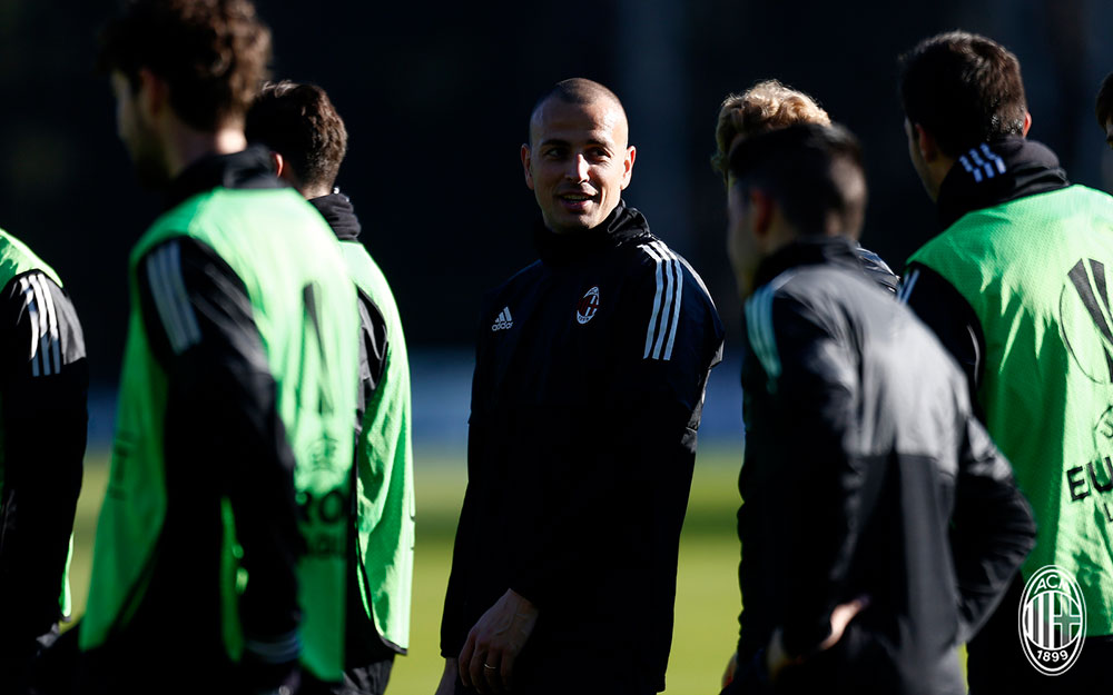 Luca Antonelli during training at Milanello. (@acmilan.com)