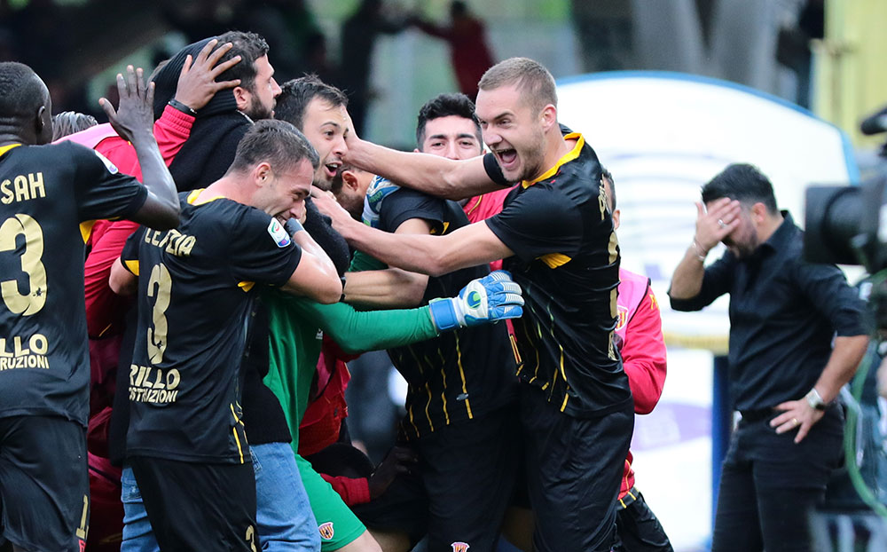 Benevento players celebrating during Benevento-Milan at Stadio Ciro Vigorito on December 3, 2017.  (CARLO HERMANN/AFP/Getty Images)