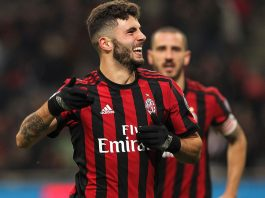 Patrick Cutrone celebrating during Milan-Hellas at Stadio San Siro on December 13, 2017. (Photo by Marco Luzzani/Getty Images)
