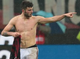Patrick Cutrone celebrating during Milan-Inter at Stadio San Siro on December 27, 2017. (Photo by Emilio Andreoli/Getty Images)