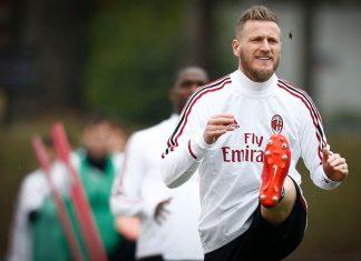 Ignazio Abate during training at Milanello. (@acmilan.com)