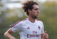 Niccolò Zanellato during training at Milanello. (@acmilan.com)
