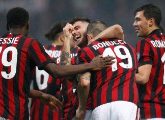 Franck Kessié, Riccardo Rodriguez, Patrick Cutrone, Leonardo Bonucci and Alessio Romagnoli celebrating during Milan-Crotone at Stadio San Siro on January 6, 2018. (@acmilan.com)