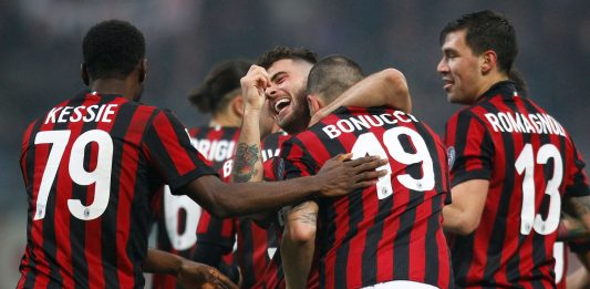 Franck Kessié, Riccardo Rodriguez, Patrick Cutrone, Leonardo Bonucci and Alessio Romagnoli celebrating during Milan-Crotone at Stadio San Siro on January 6, 2018. (@acmilan.com)