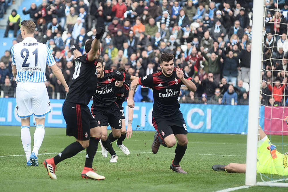 Patrick Cutrone celebrating during SPAL-Milan at at Stadio Paolo Mazza on February 10, 2018. (Photo by Mario Carlini / Iguana Press/Getty Images)
