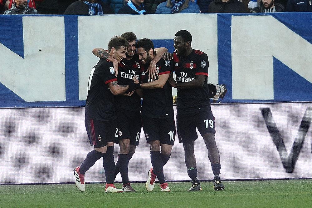 Lucas Biglia, Patrick Cutrone, Hakan Çalhanoğlu and Franck Kessié during SPAL-Milan at at Stadio Paolo Mazza on February 10, 2018. (Photo by Mario Carlini / Iguana Press/Getty Images)
