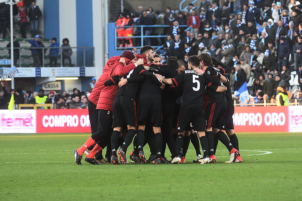 The squad celebrating at the end of SPAL-Milan at at Stadio Paolo Mazza on February 10, 2018. (Photo by Mario Carlini / Iguana Press/Getty Images)