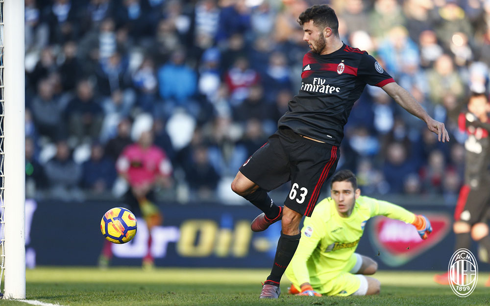Patrick Cutrone scoring during SPAL-Milan at at Stadio Paolo Mazza on February 10, 2018. (@acmilan.com)