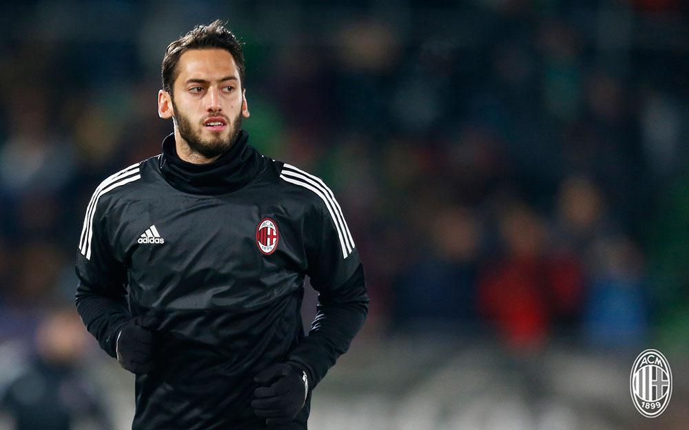 "Çalhanoğlu: ""I'll keep kissing the Milan badge, Gattuso"