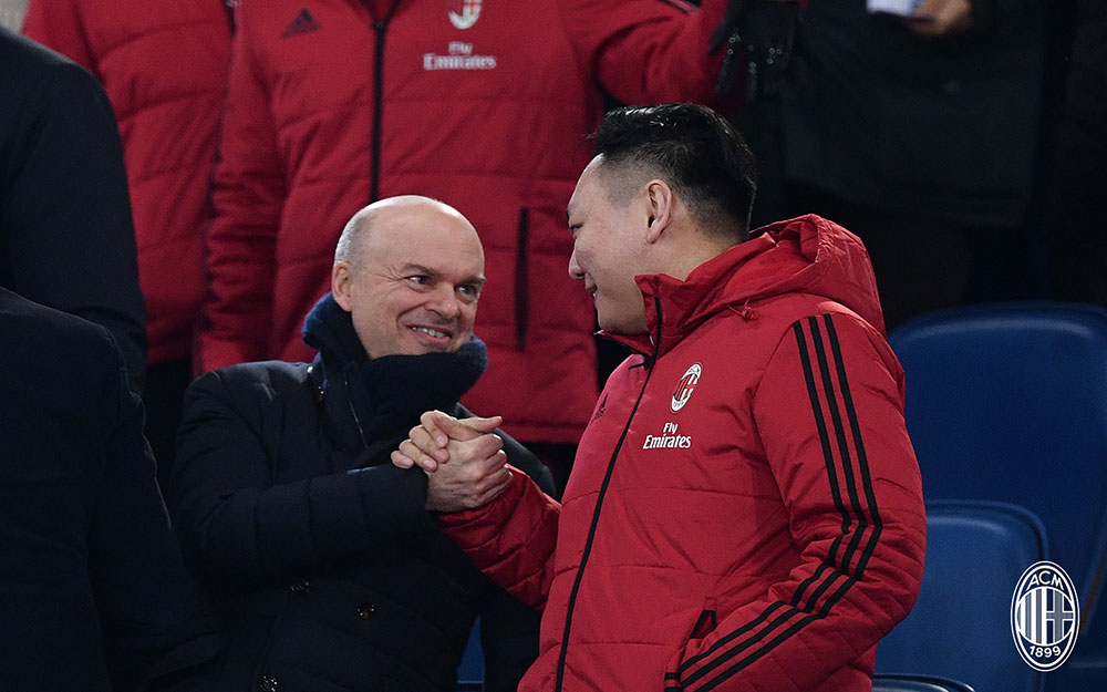 Marco Fassone and Han Li during Lazio-Milan at Stadio Olimpico on February 28, 2018. (@acmilan.com)