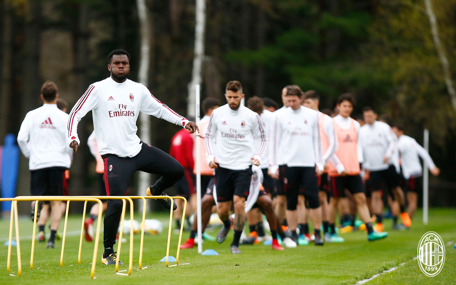 Franck Kessié during training at Milanello. (@acmilan.com)