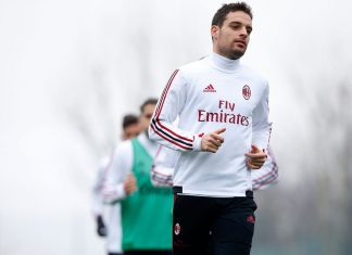 Giacomo Bonaventura during training at Milanello. (@acmilan.com)