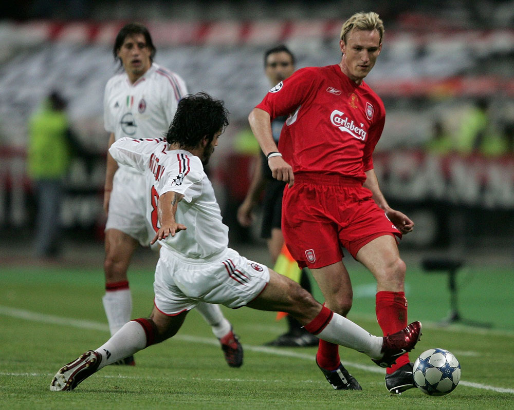 Gennaro Gattuso and Sami Hyypia during Liverpool-Milan at the Ataturk Olympic Stadium on May 25, 2005. (Photo by Clive Brunskill/Getty Images)