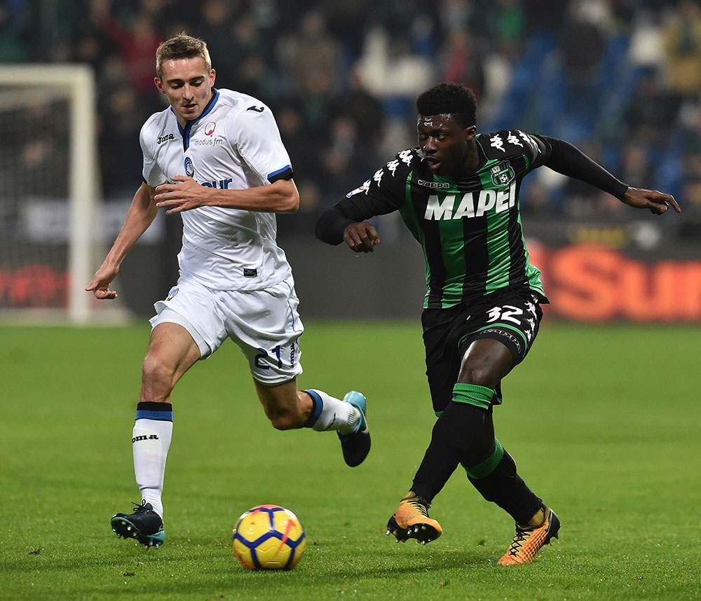Timothy Castagne and Alfred Duncan during Sassuolo-Atalanta at Mapei Stadium – Città del Tricolore on January 27, 2018. (Photo by Giuseppe Bellini/Getty Images)