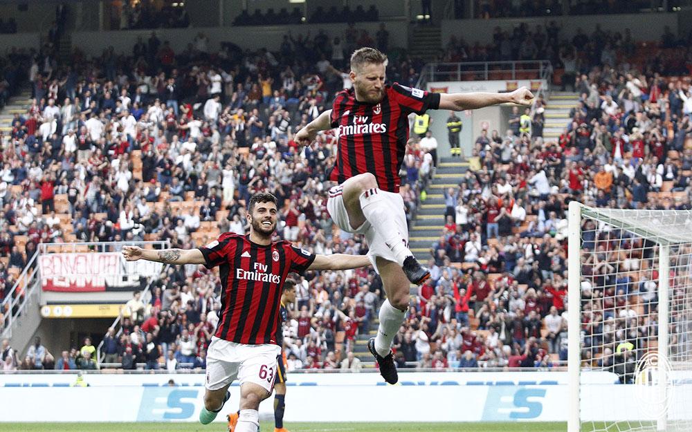 Ignazio Abate and Patrick Cutrone celebrating during Milan-Hellas Verona at Stadio San Siro on May 5, 2018. (@acmilan.com)
