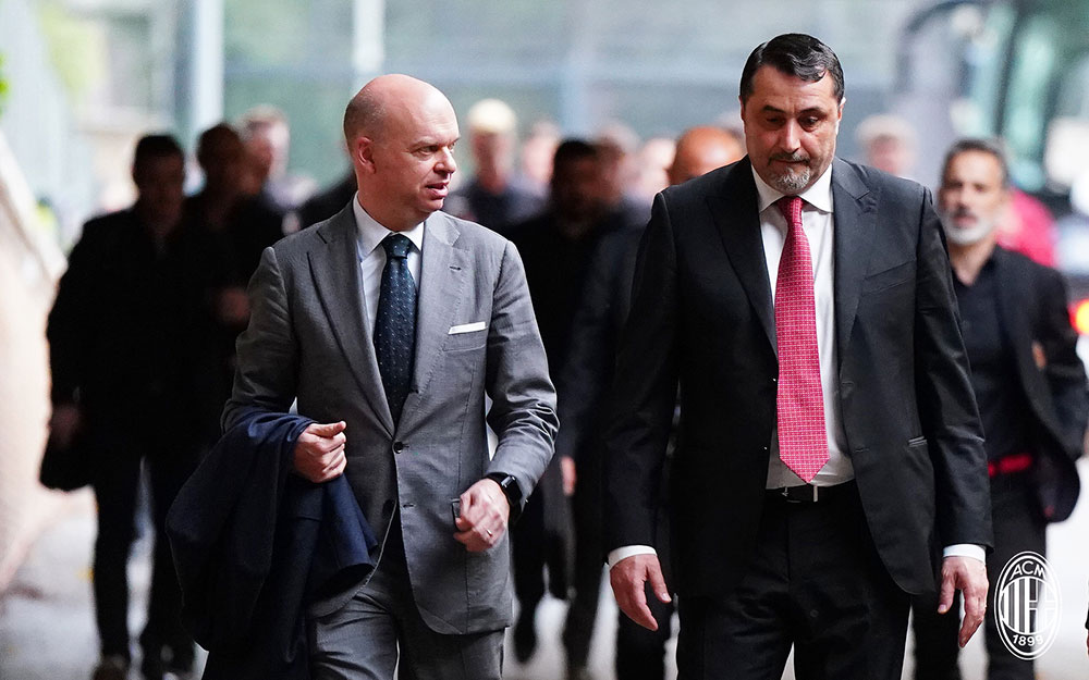 Marco Fassone and Massimiliano Mirabelli before Juventus-Milan at Stadio Olimpico on May 9, 2018. (@acmilan.com)