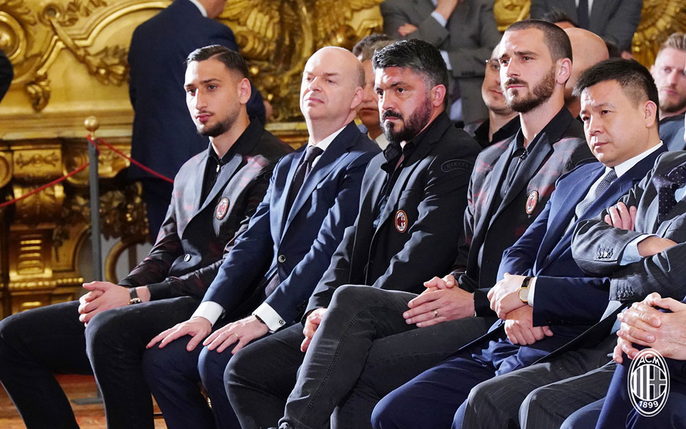 Gianluigi Donnarumma, Marco Fassone, Gennaro Gattuso, Leonardo Bonucci and Yonghong Li during a meeting with Italy President Sergio Mattarella in Rome on May 8, 2018. (@acmilan.com)
