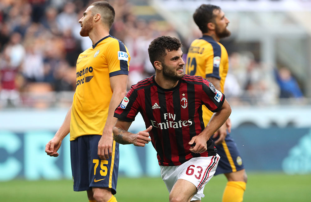 Patrick Cutrone celebrating during Milan-Hellas Verona at Stadio San Siro on May 5, 2018. (Photo by Marco Luzzani/Getty Images)