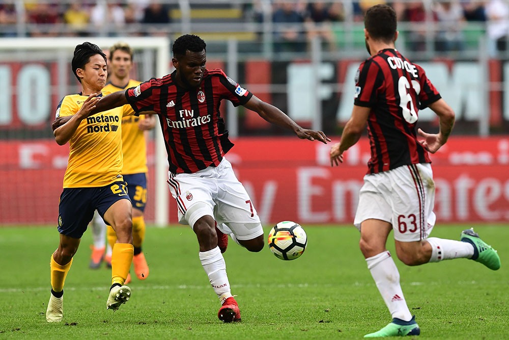 Franck Kessie, Patrick Cutrone and Lee Seung-woo during Milan-Hellas Verona at Stadio San Siro on May 5, 2018. (MIGUEL MEDINA/AFP/Getty Images)