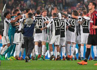 Juventus players celebrating at the end of Juventus-Milan at Stadio Olimpico on May 9, 2018. (TIZIANA FABI/AFP/Getty Images)