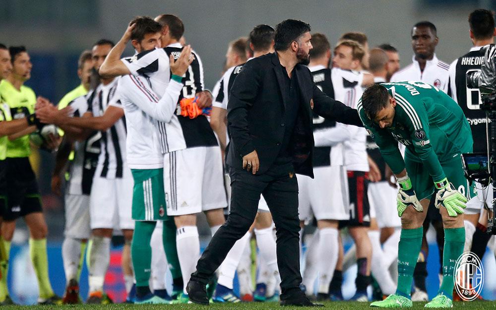 Gennaro Gattuso and Gianluigi Donnarumma at the end of Juventus-Milan at Stadio Olimpico on May 9, 2018. (@acmilan.com)