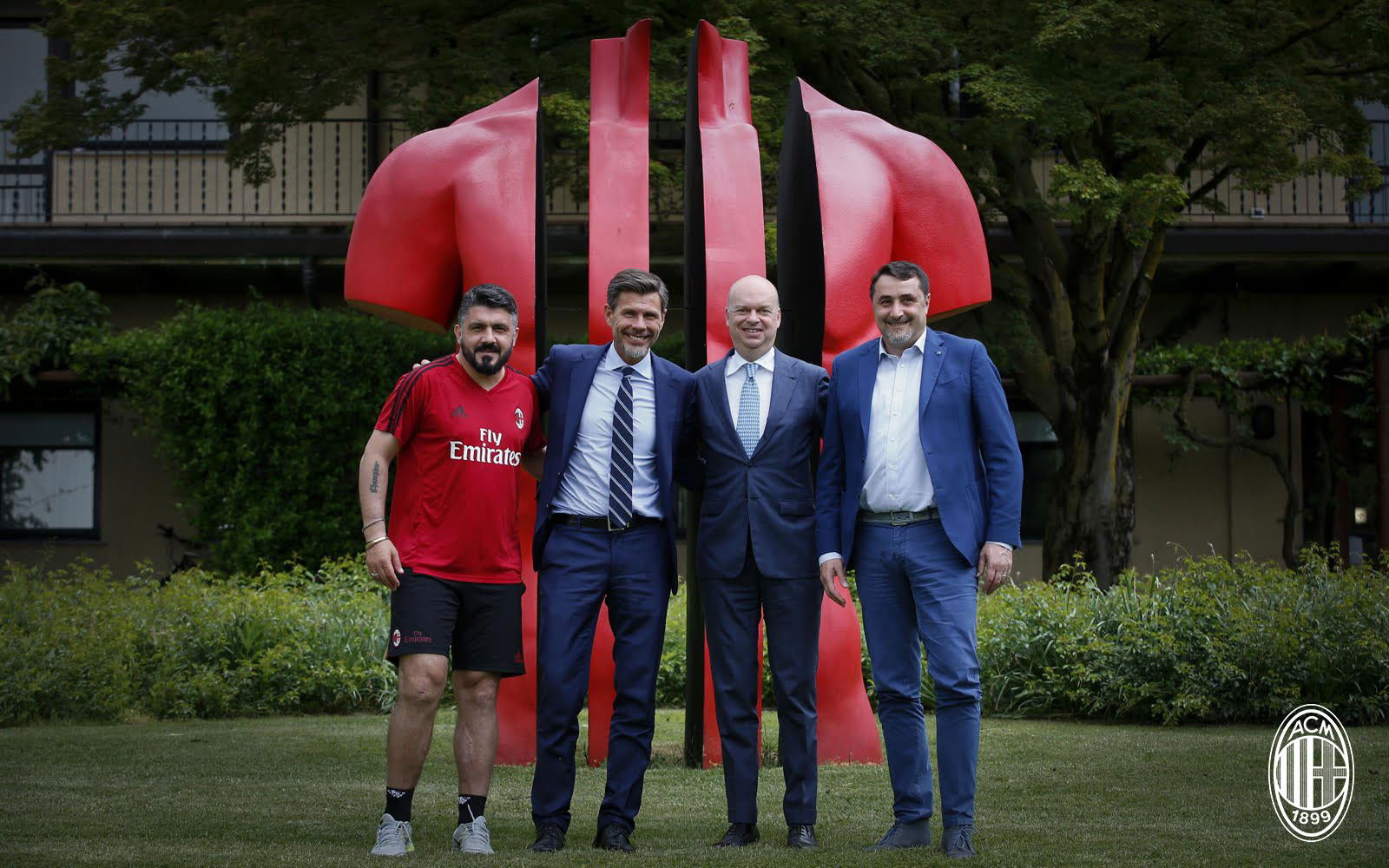Gennaro Gattuso, Zvonimir Boban, Marco Fassone and Massimiliano Mirabelli at Milanello. (@acmilan.com)